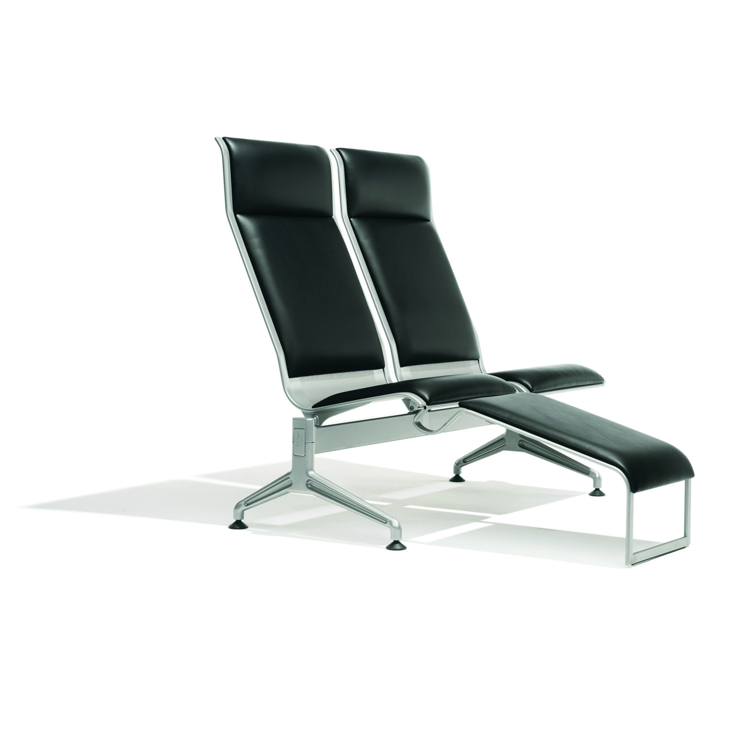 7100 Terminal Chairs with high backrest and incorporated legs stool