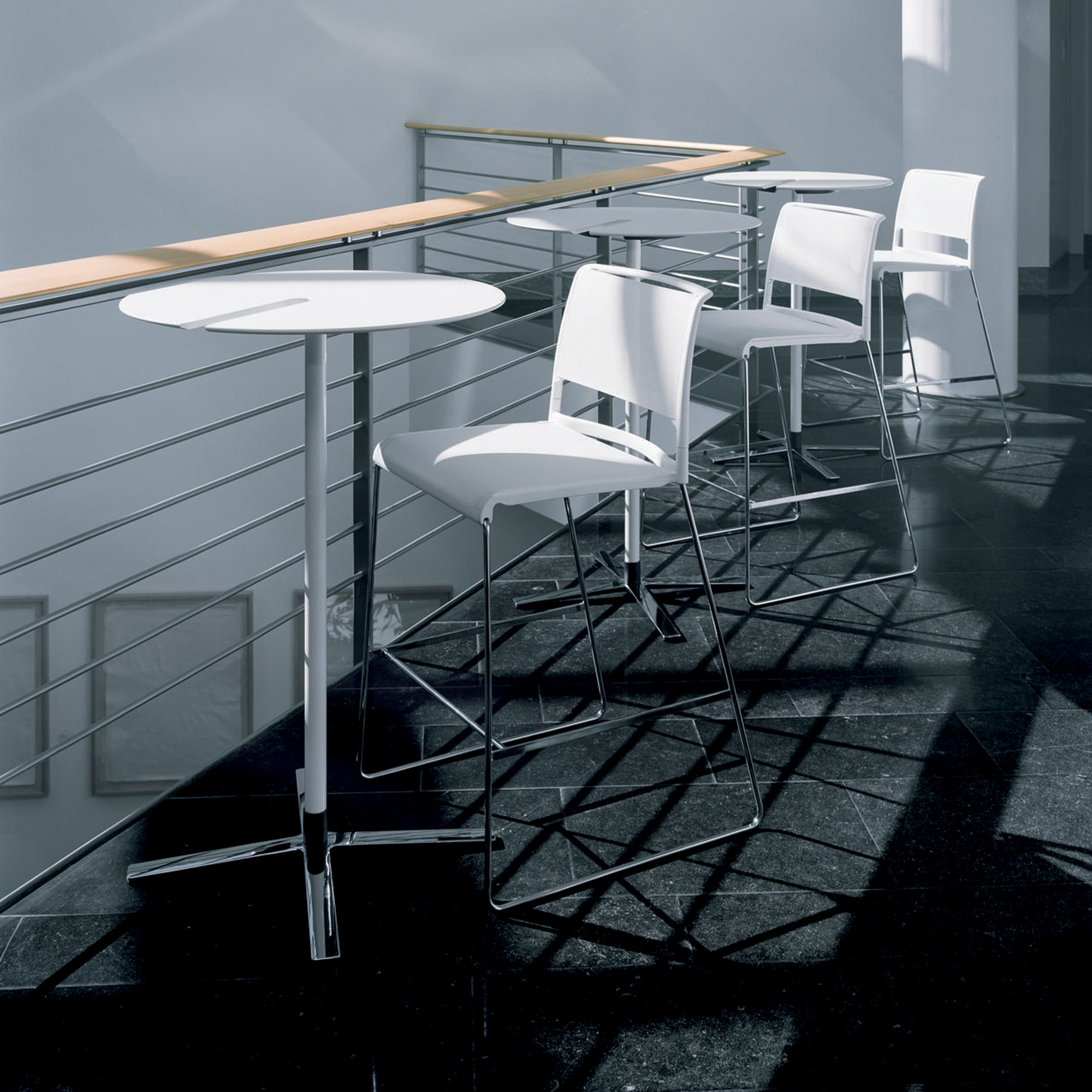 Aline Bar Tables