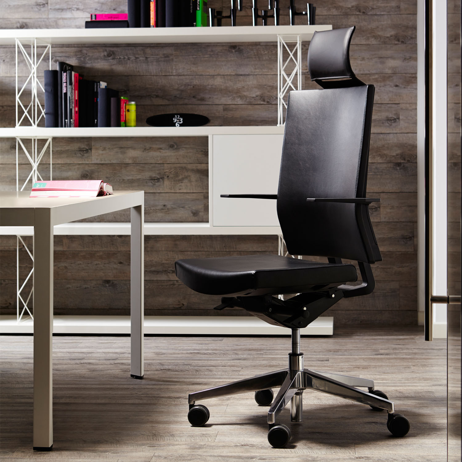Sinetica Blue Executive Leather Chair