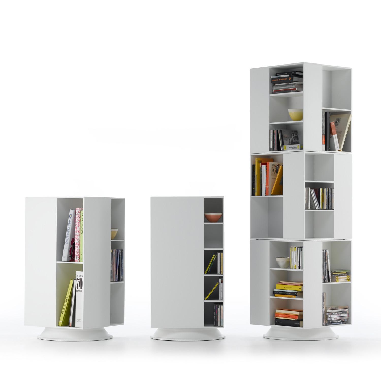 Домашняя библиотека: книжки в ряд.