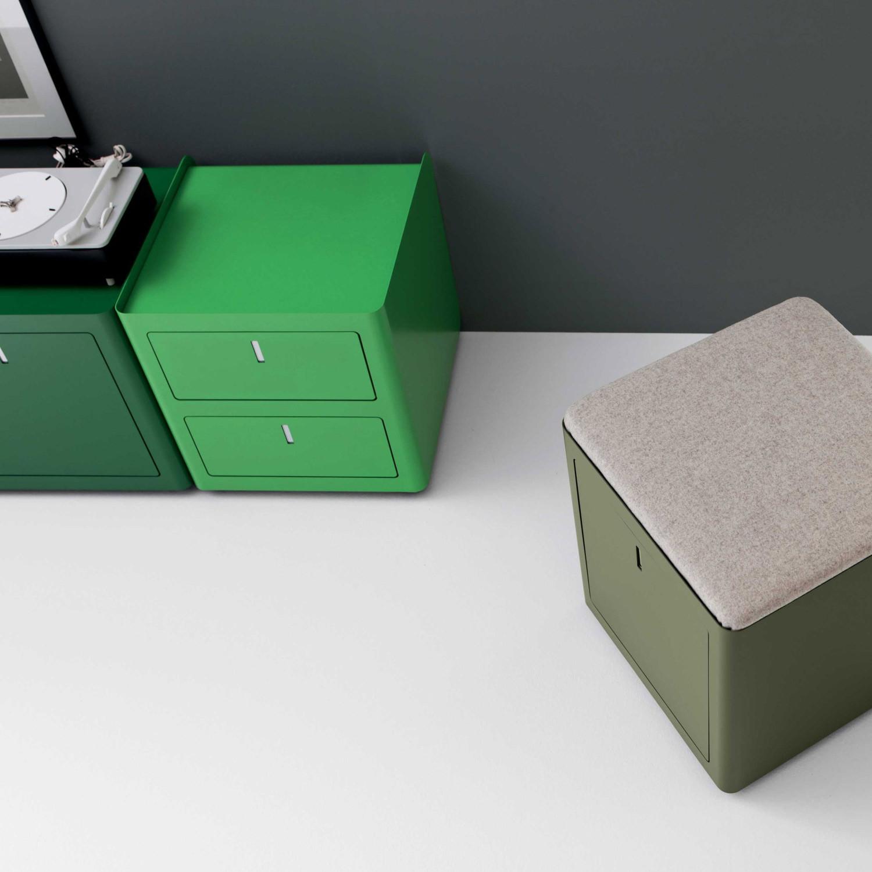 Cbox pedestal