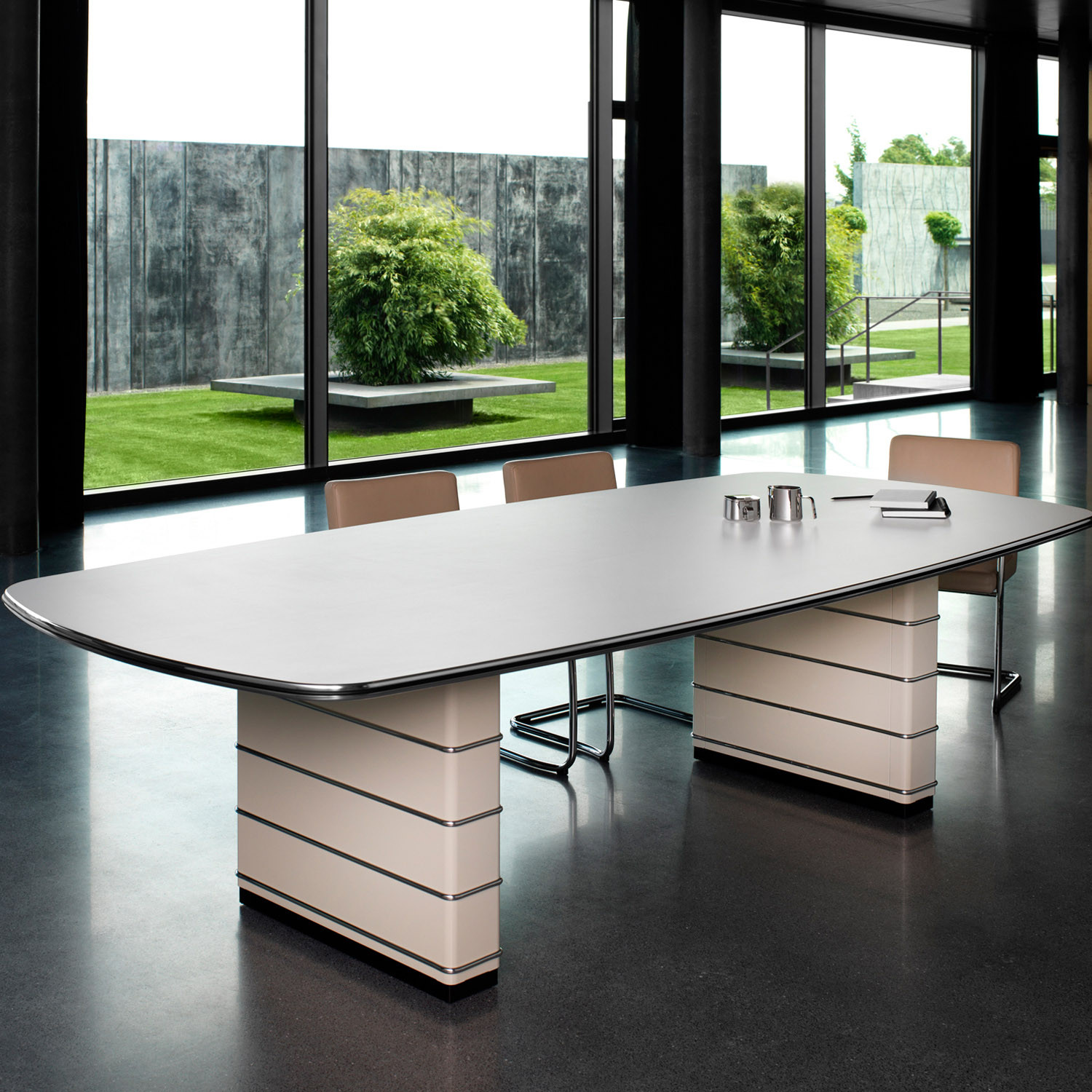 TB 121 / TB 126 Conference Table