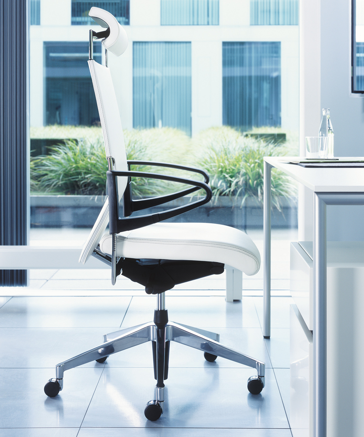Brunner Drive Executive Swivel Chair