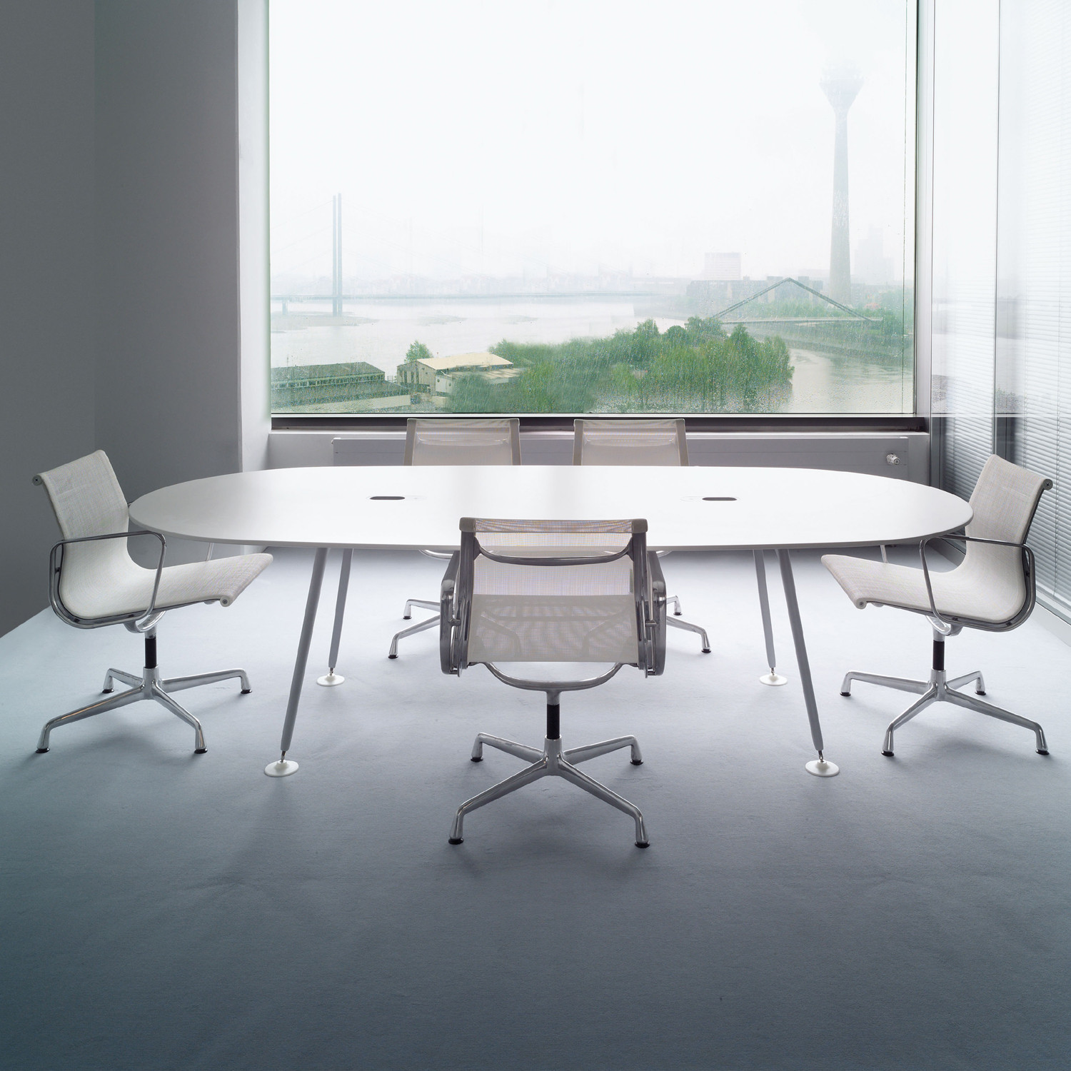 Vitra Eames Aluminium Meeting Chairs