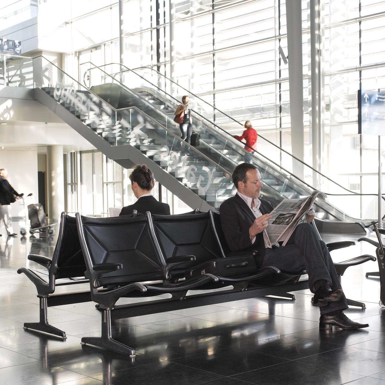 Eames Tandum Airport Seating