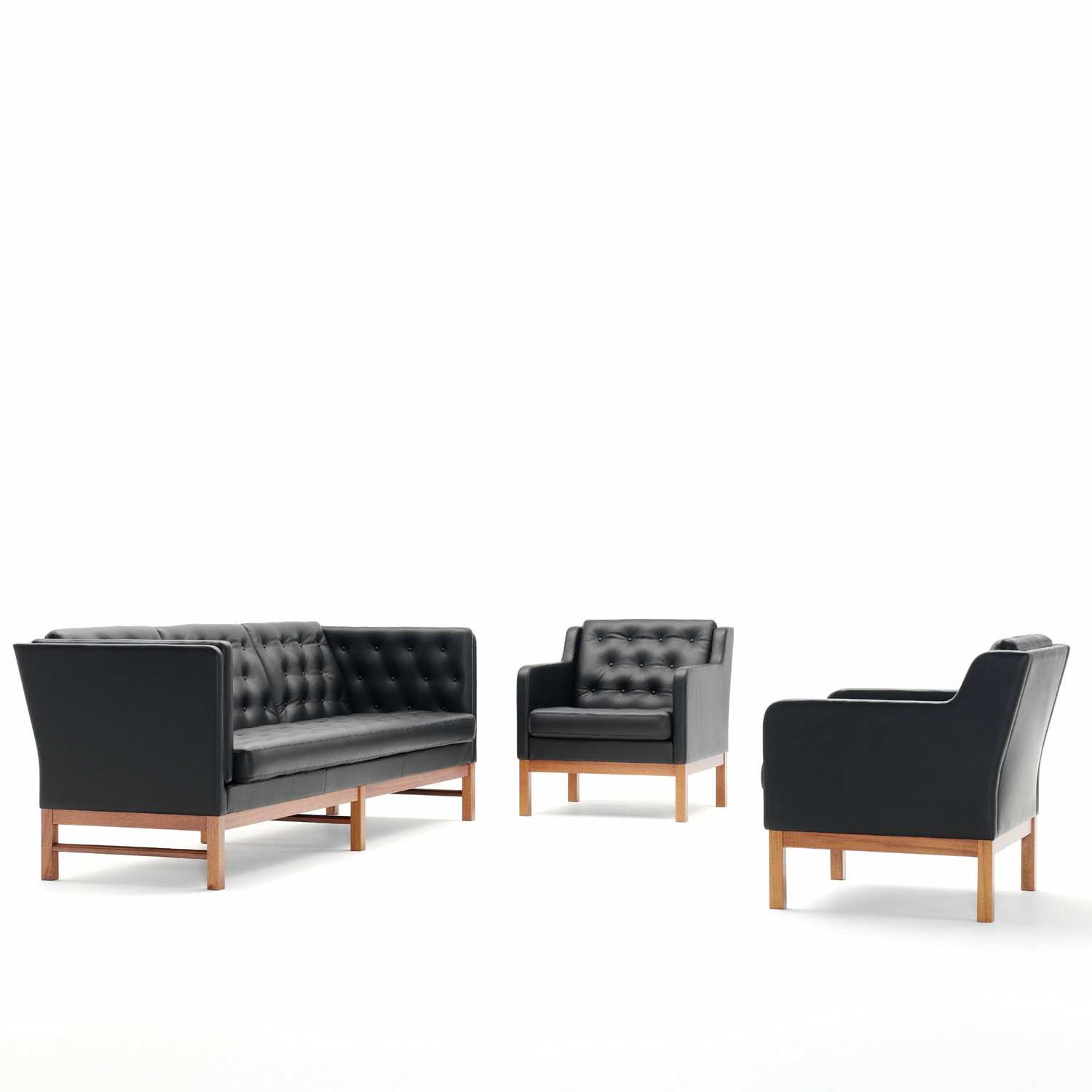 EJ 315 Sofa & Chairs