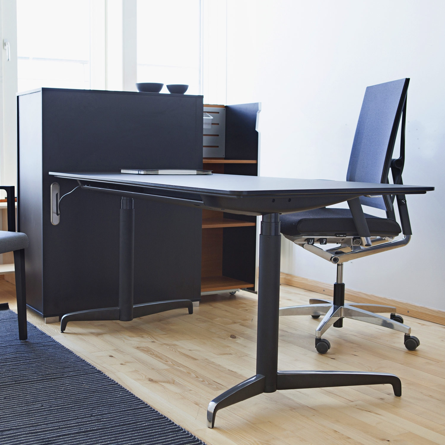 Genese Sit-Stand Executive Desk