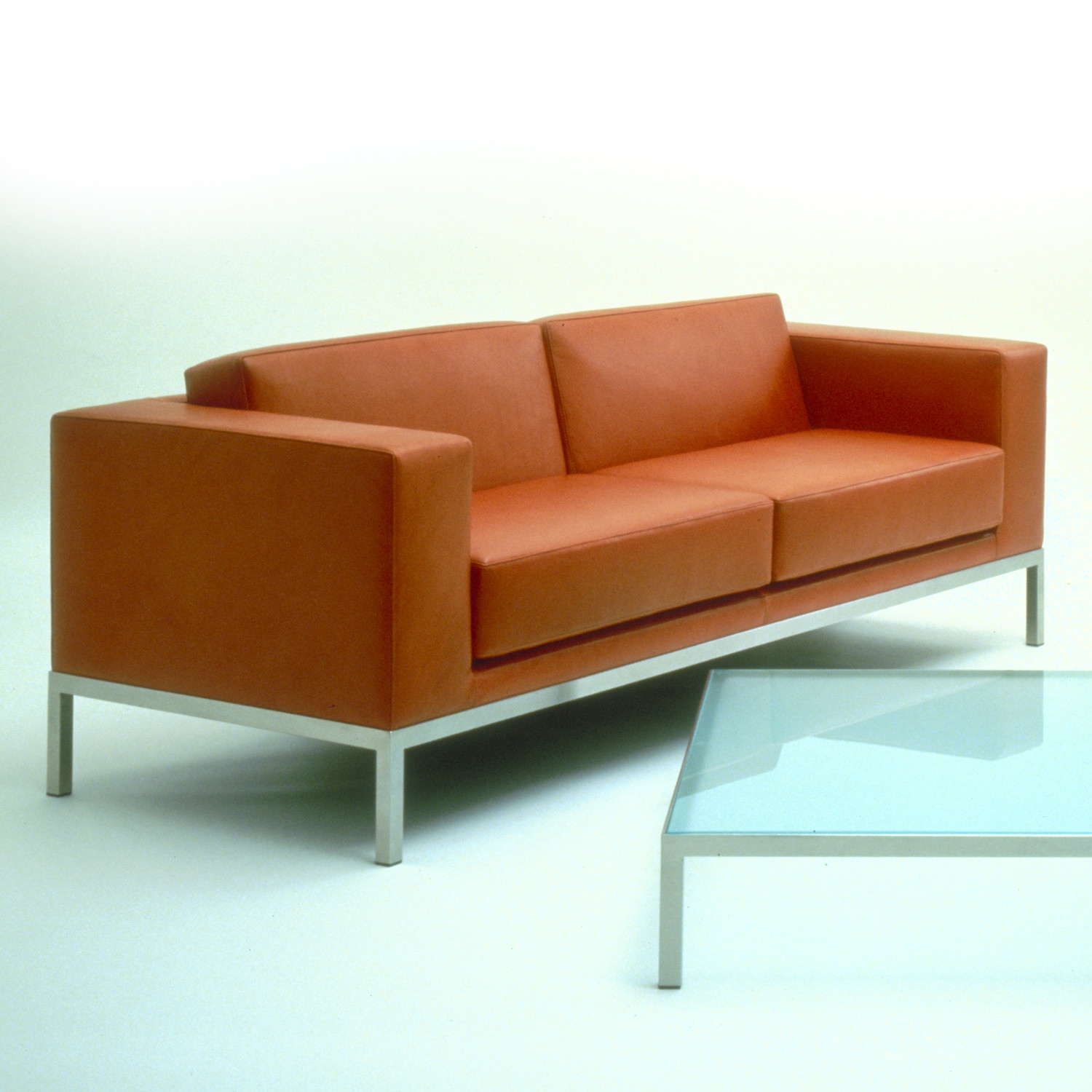 HM25 Leather Upholstered Sofa