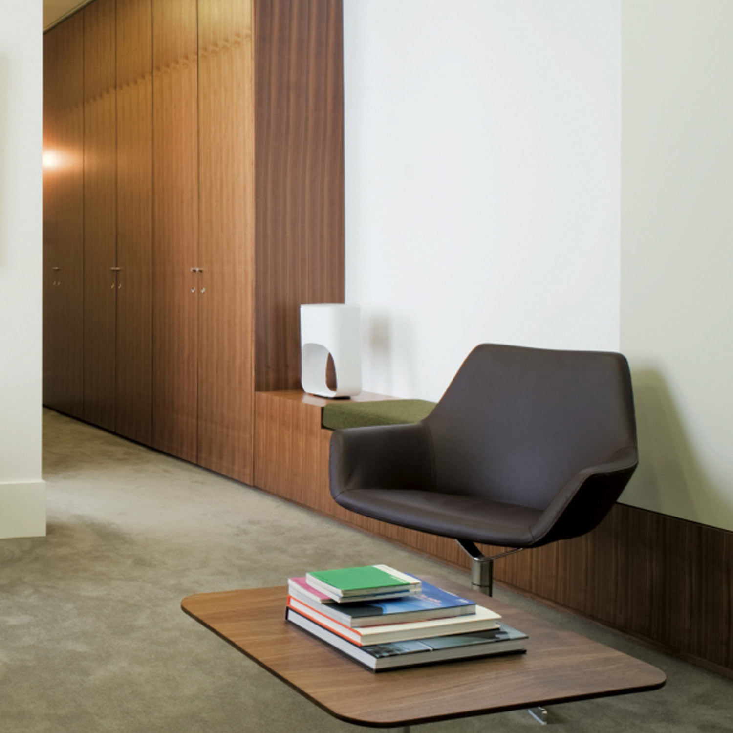 Hm86 Chair by Hitch Mylius