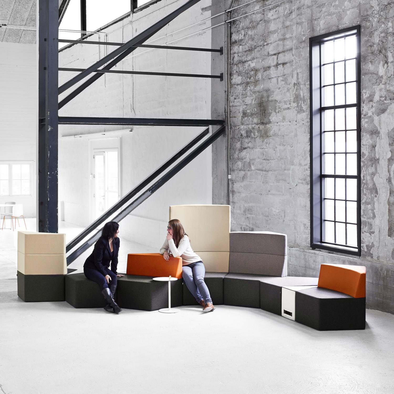 Howe Manhattan Reception Soft Seating