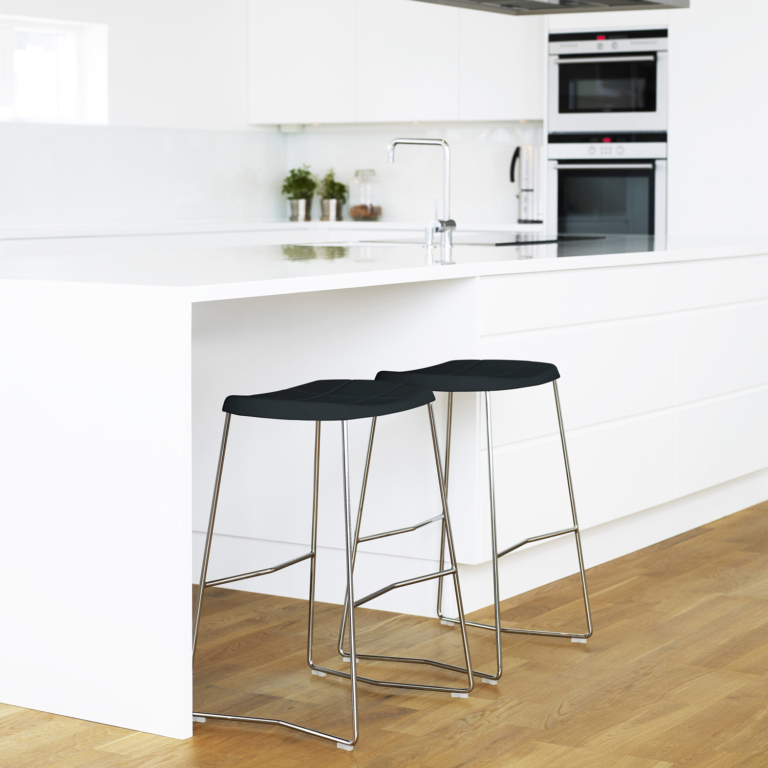 mini bar stools lammhults breakout seating apres furniture. Black Bedroom Furniture Sets. Home Design Ideas