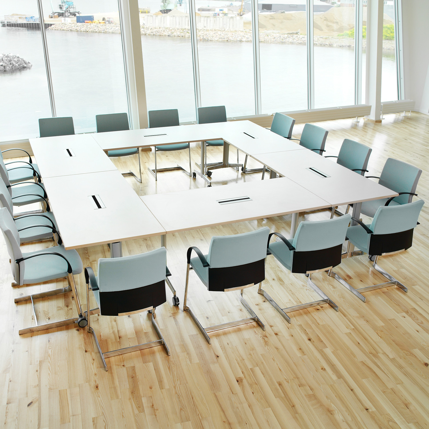 Moveo Training Tables from Howe