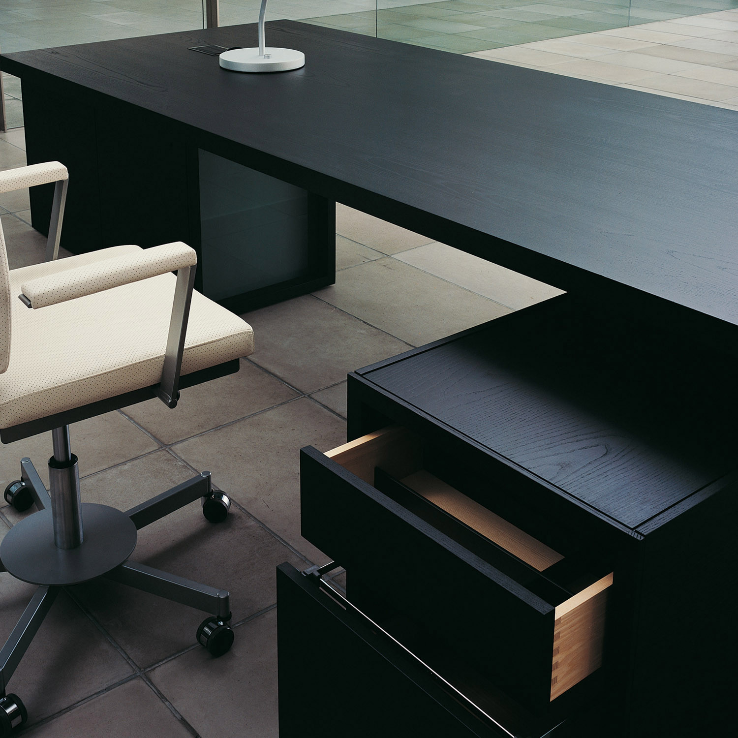 Normal Executive Desk from Bulo