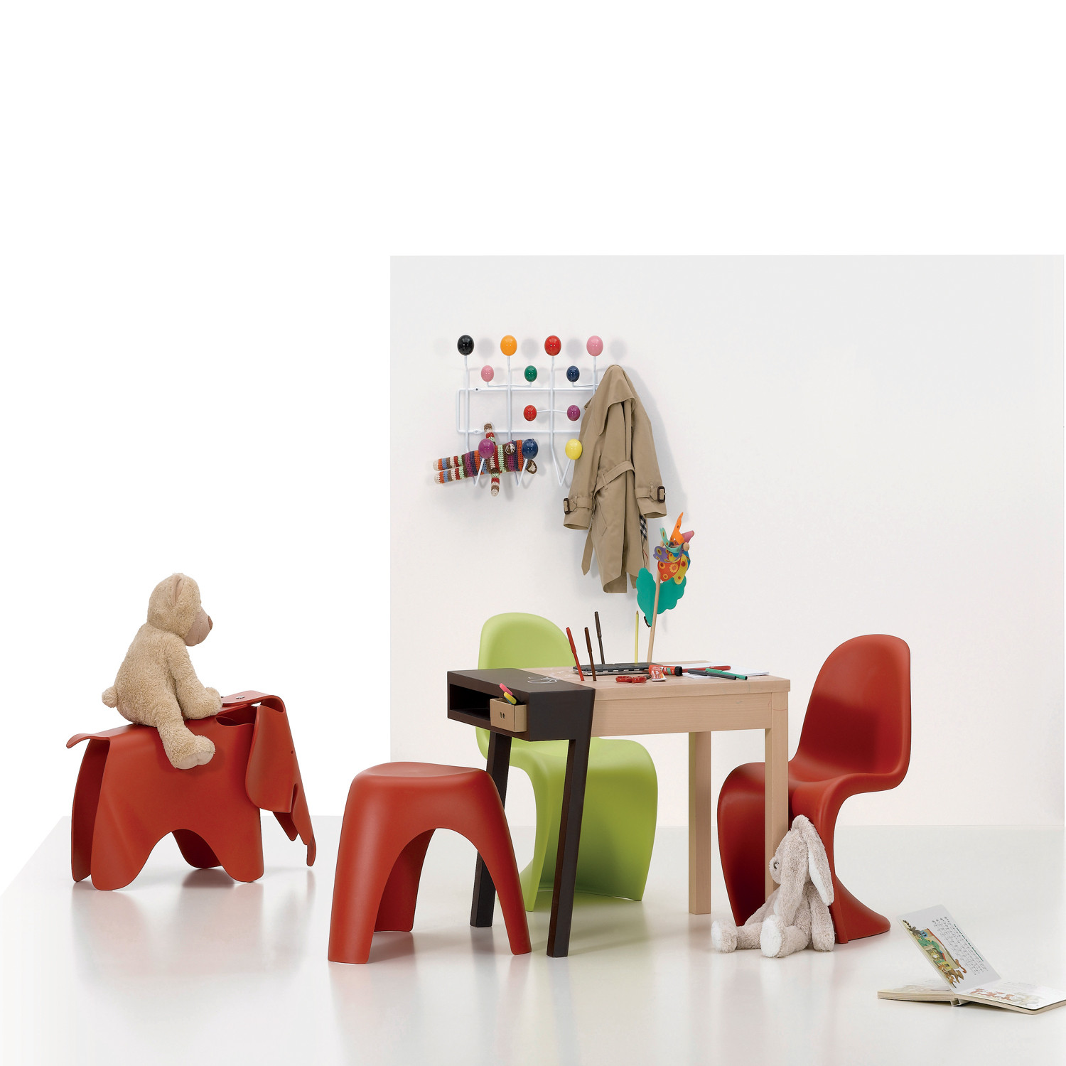 panton junior chairs childrens chairs in plastic apres. Black Bedroom Furniture Sets. Home Design Ideas