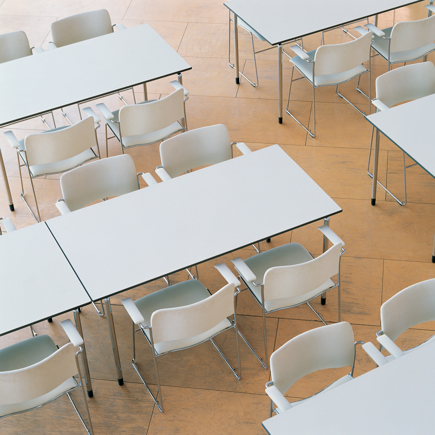 Plico Training Tables by Howe