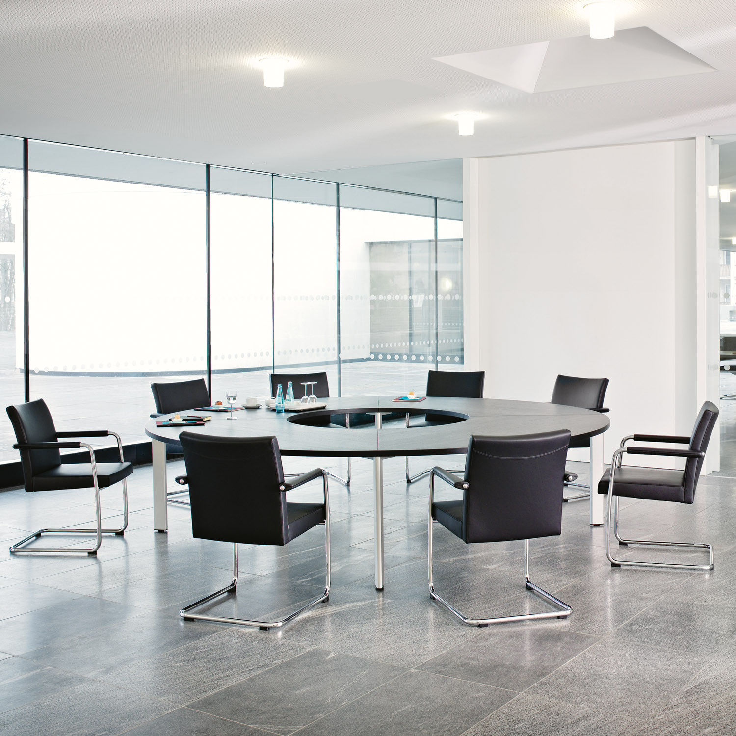 Brunner Spira.Sit Cantilever Meeting Chairs