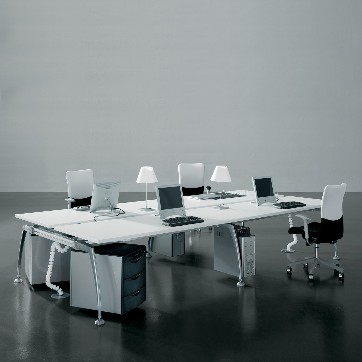 Tiper Desk Bench - face to face arrangement