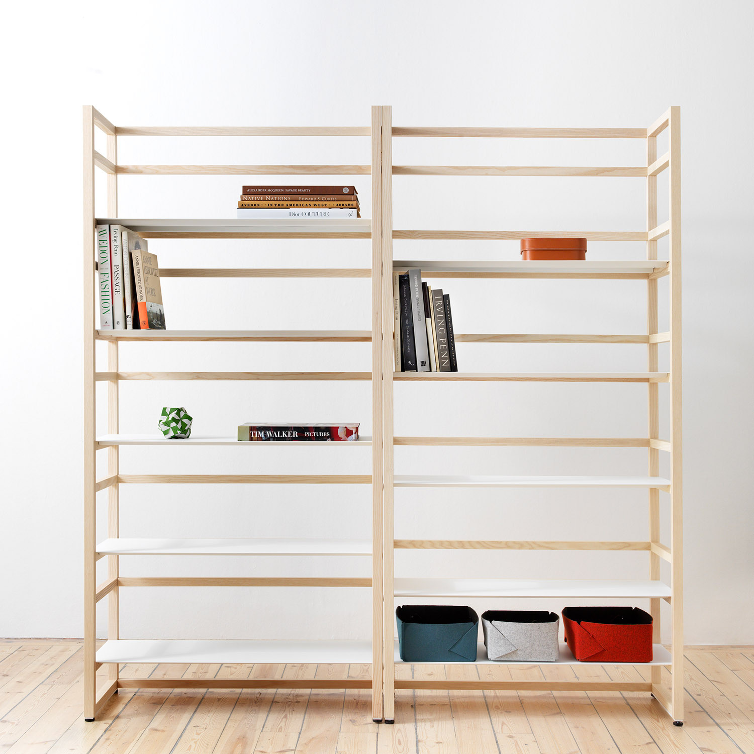 Nina Jobs Tre Shelving