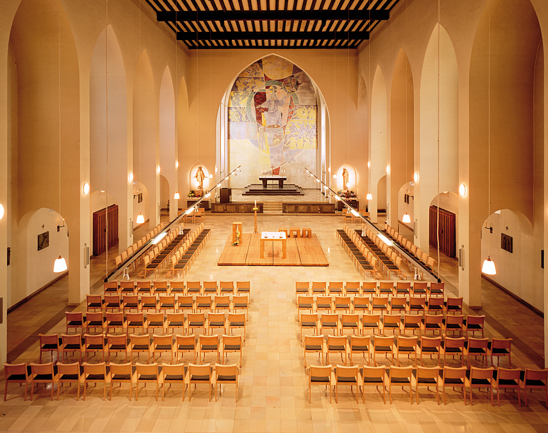 1500 Luca Congregation Seating