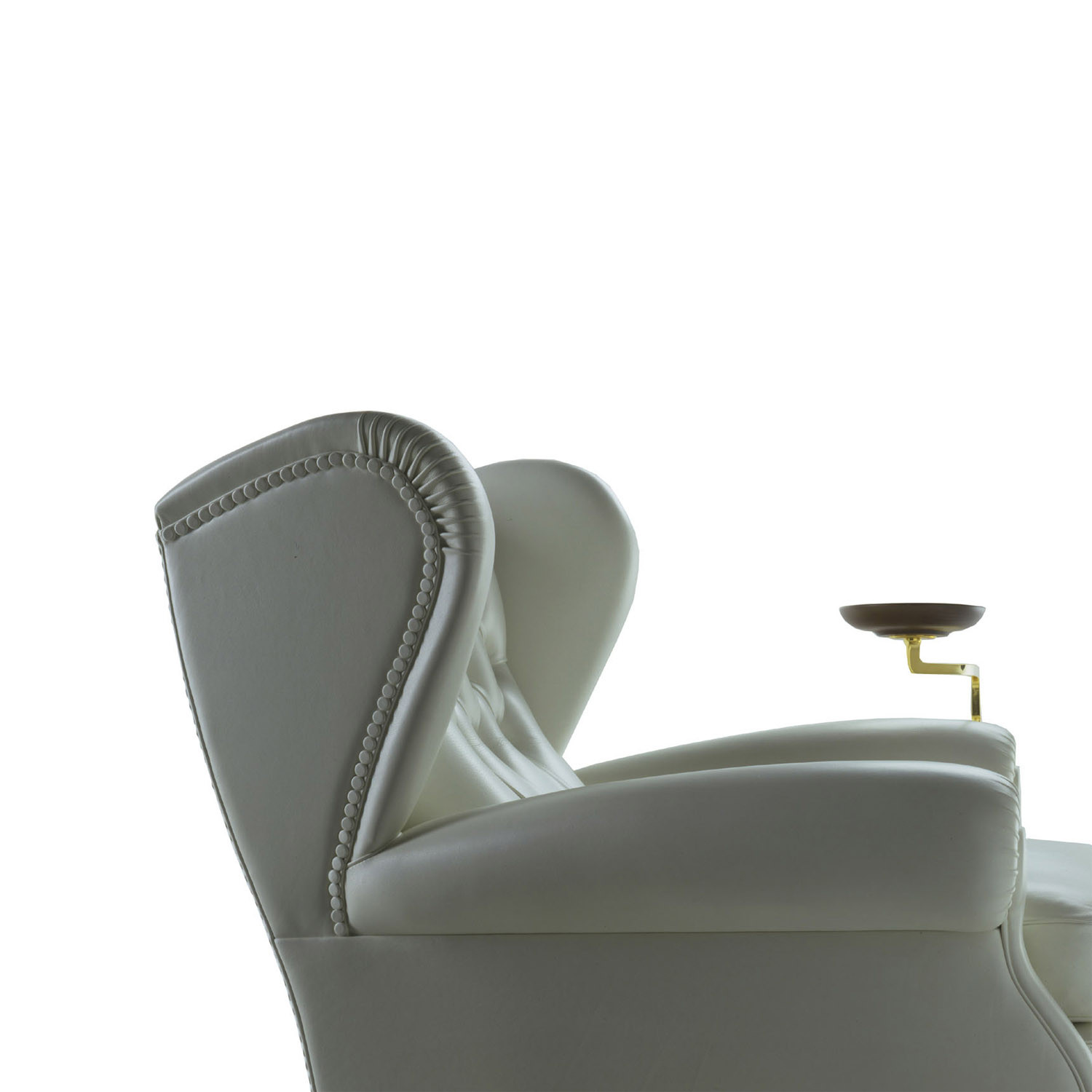 1919 Wingchair with Plate Holder