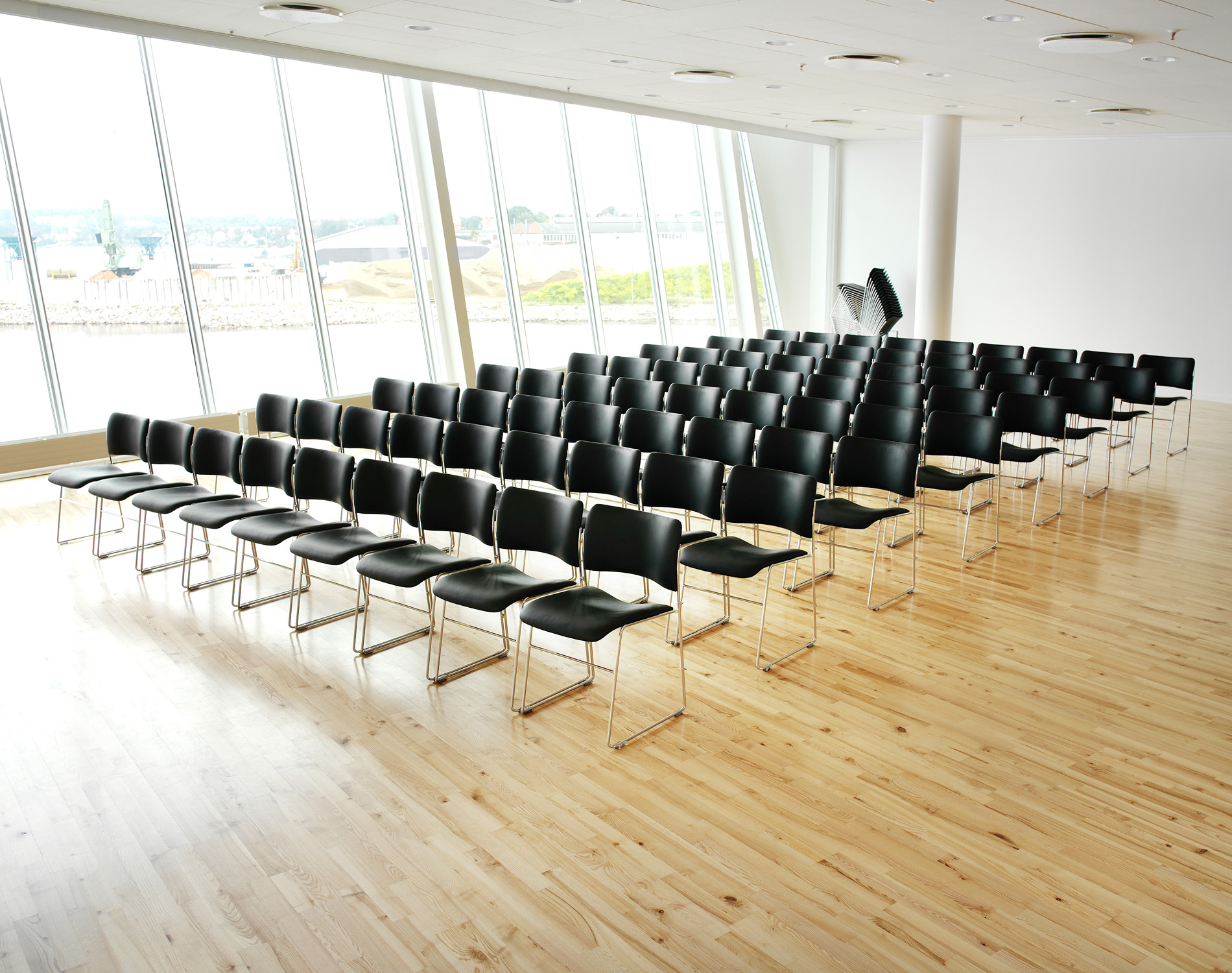 40/4 Meeting Room Chairs