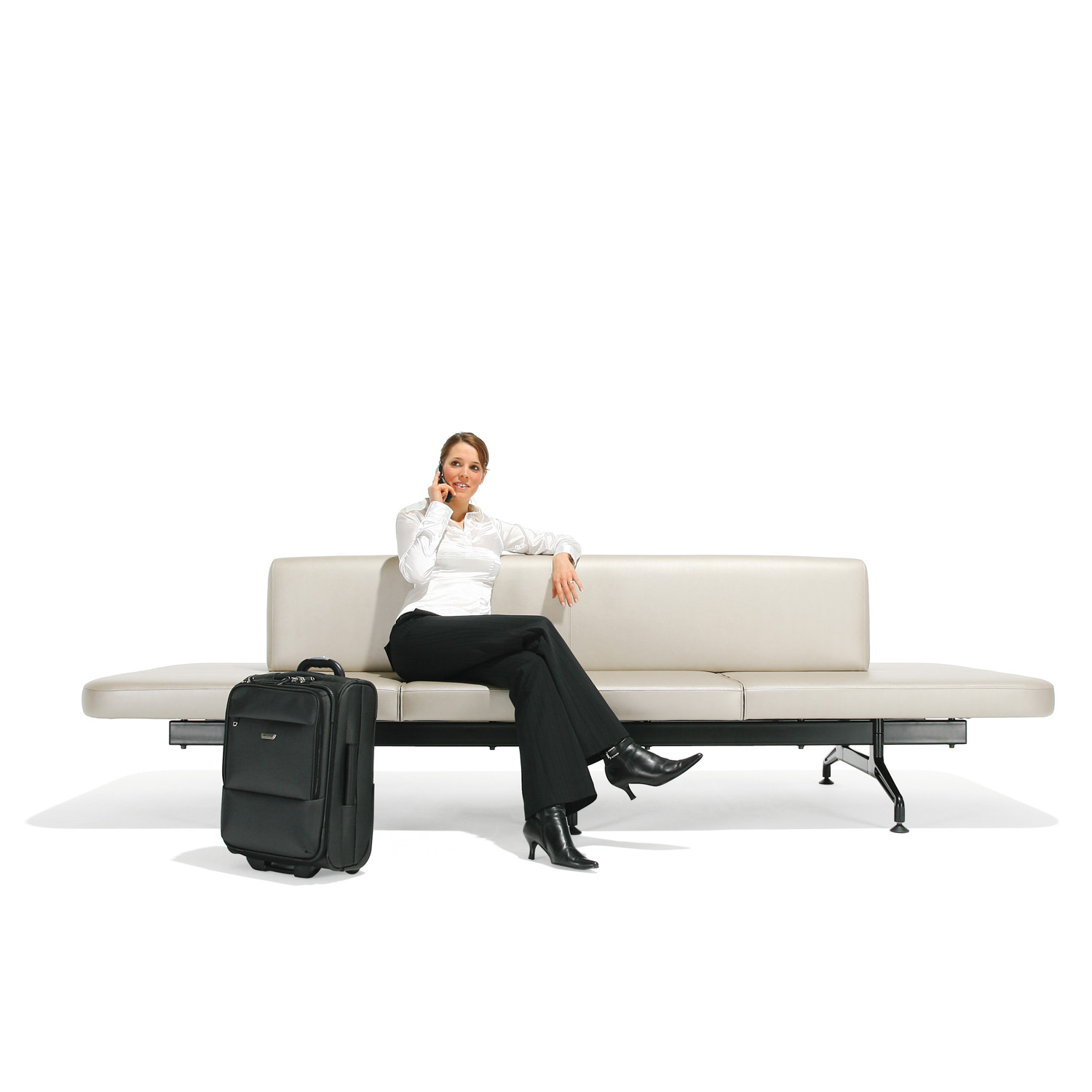 7300 Airport Terminal Bench by Kusch+Co