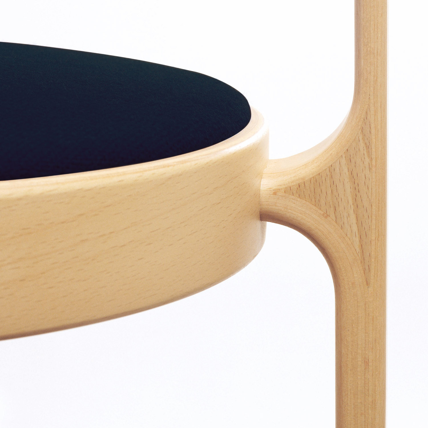 8000 Series Chair by Magnus Olesen