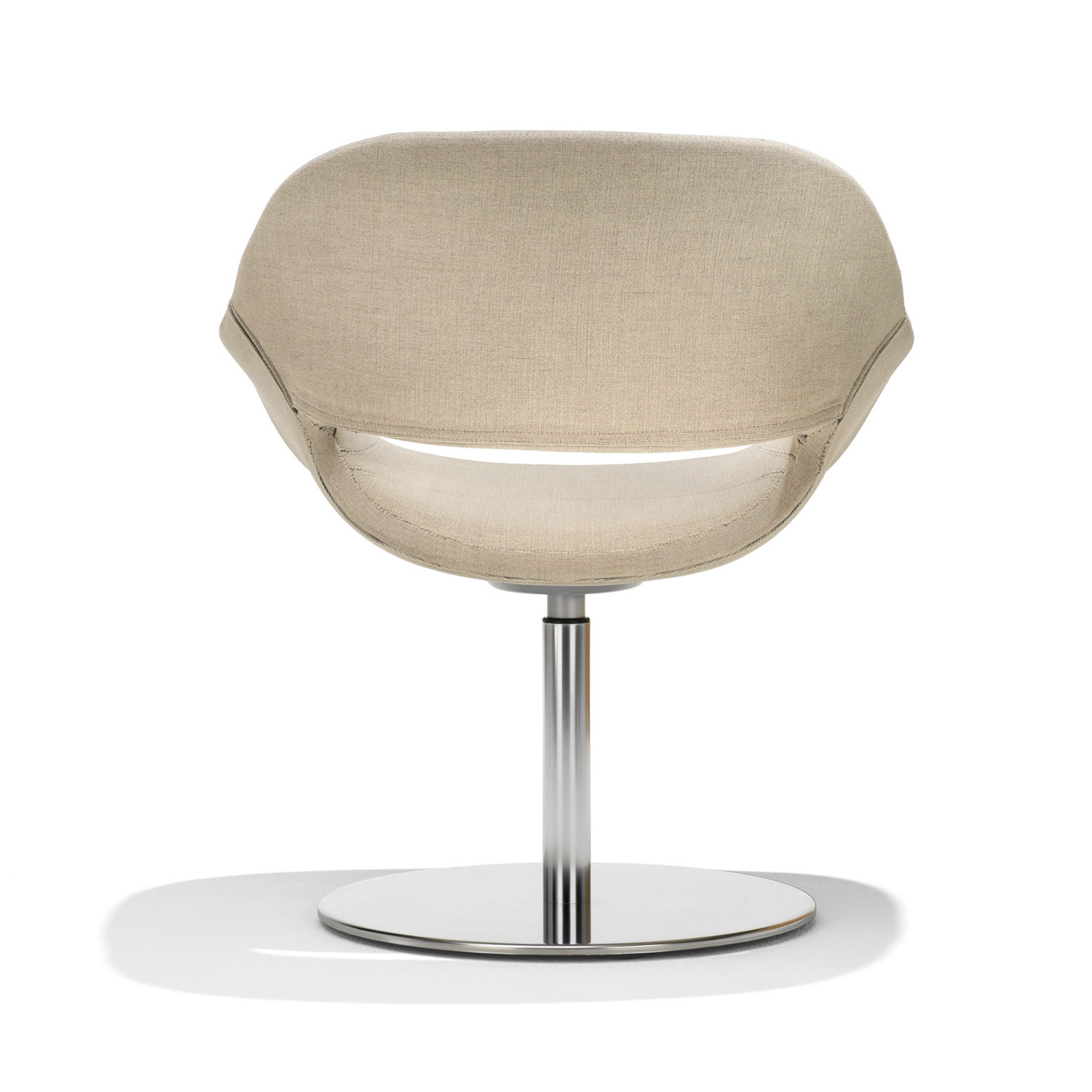 8200 Volpe Armchair back detail