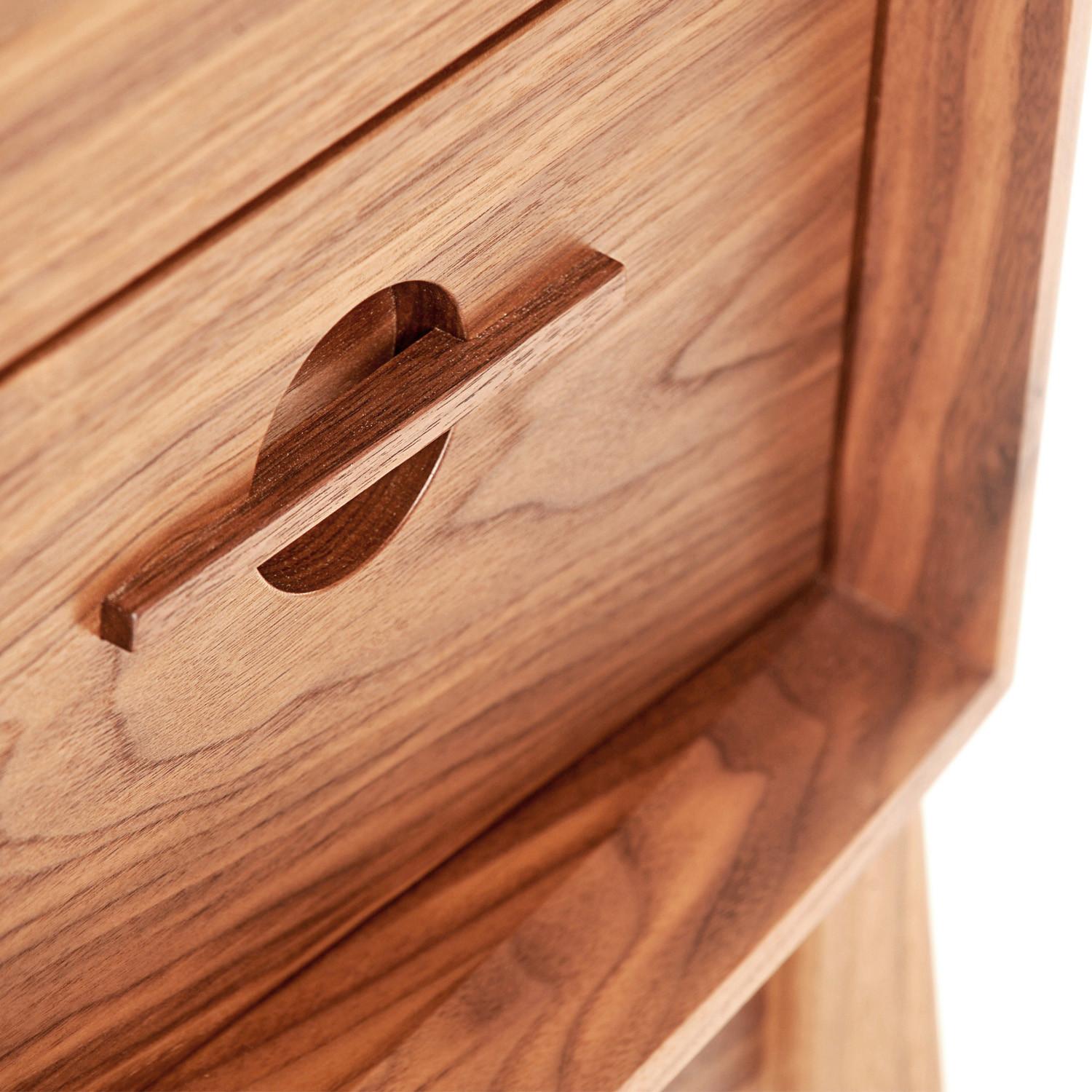Acorn Chest of Drawers Detail