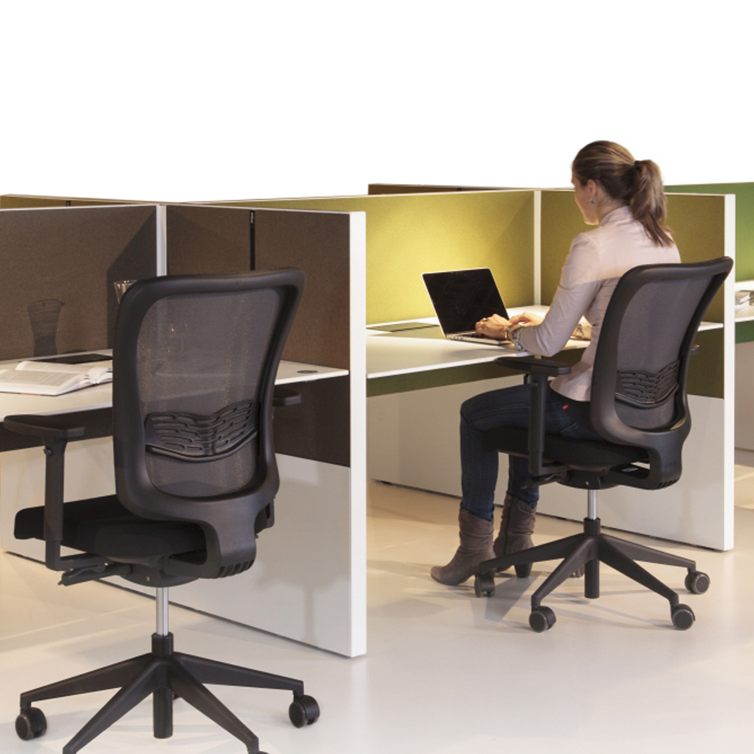 Ahrend Team_Up Desks