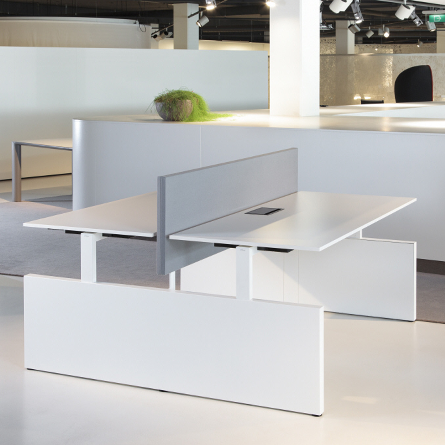 Ahrend Team_Up Height Adjustable Desks