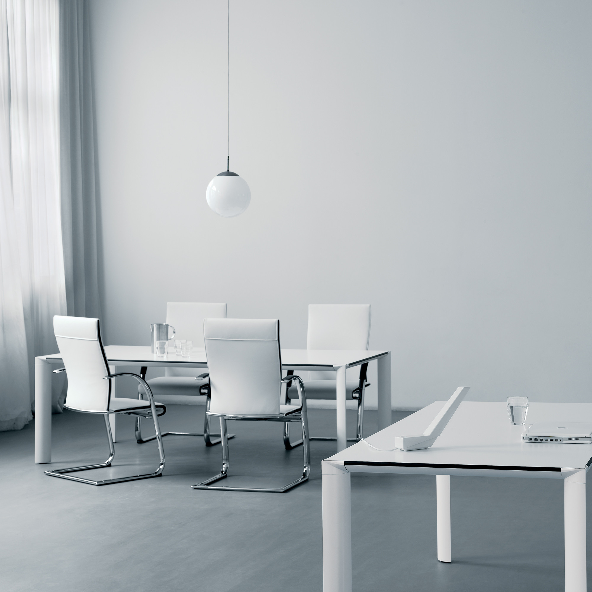 Ahrend 1030 Meeting Tables