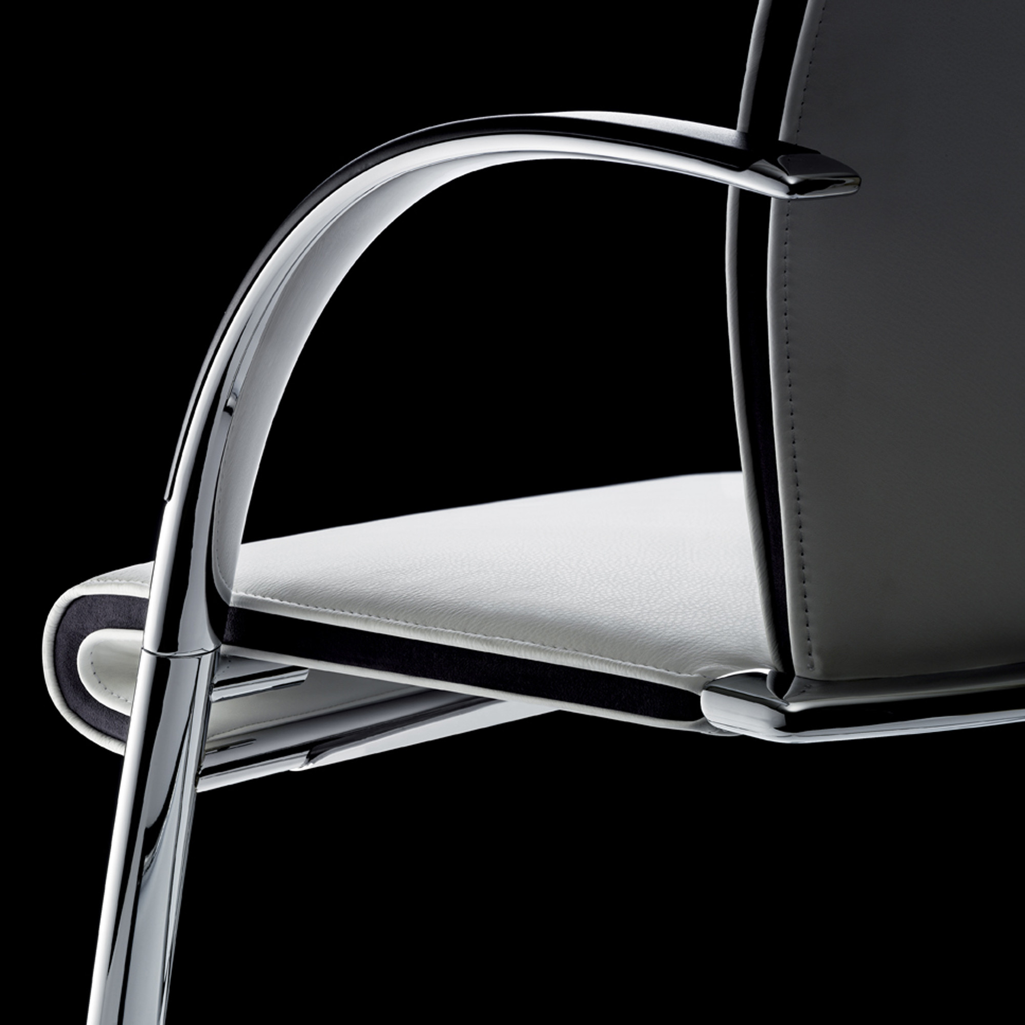 Ahrend 350 Chairs Detailed
