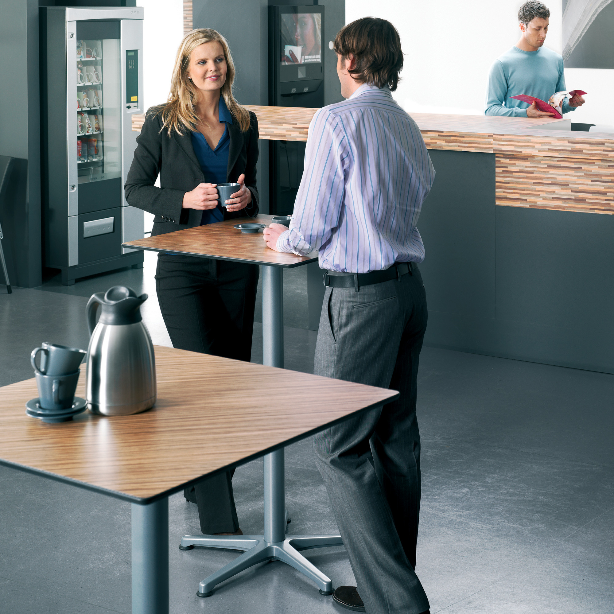 Ahrend 460 Tables by Ahrend