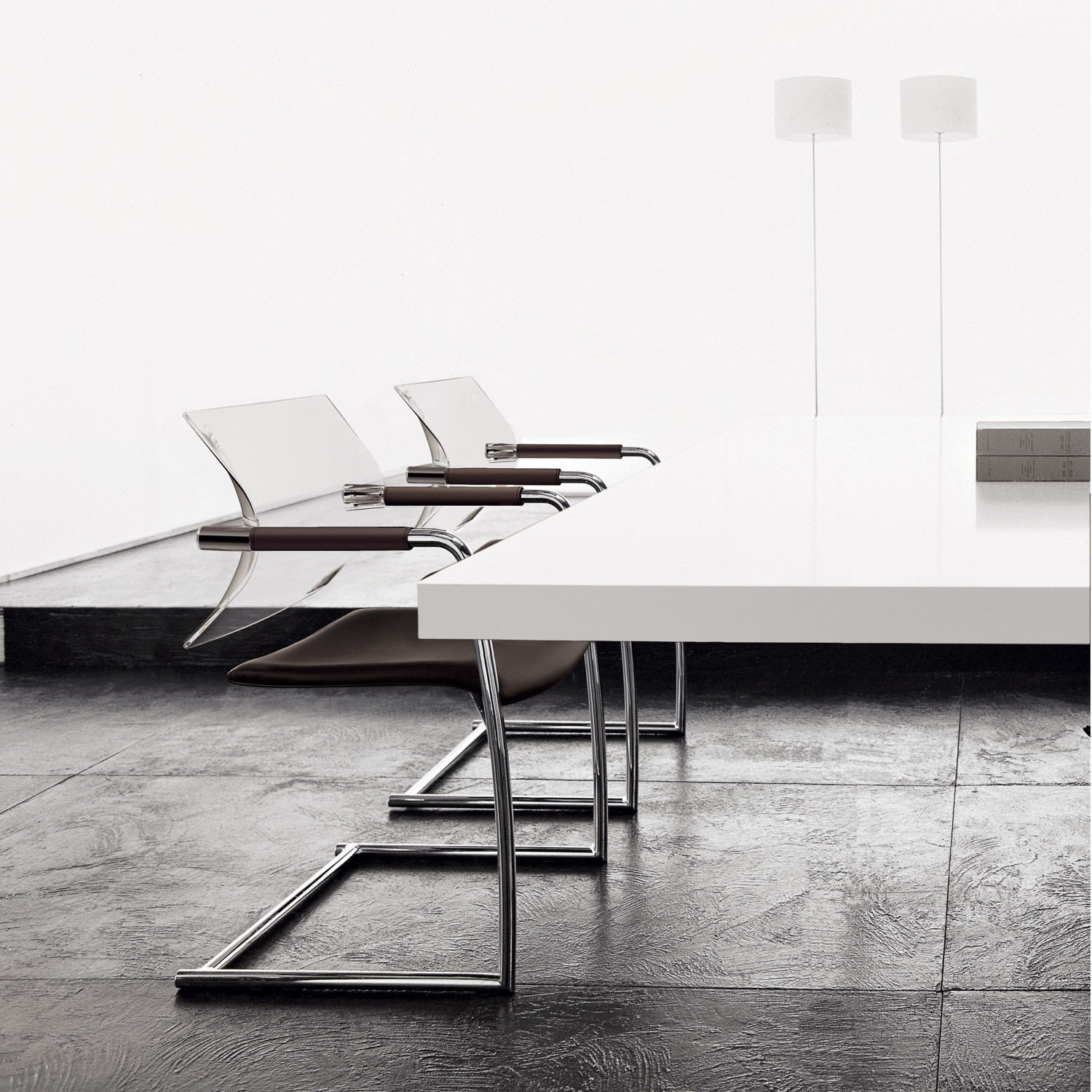 Aire Jr Meeting Chair by Luxy