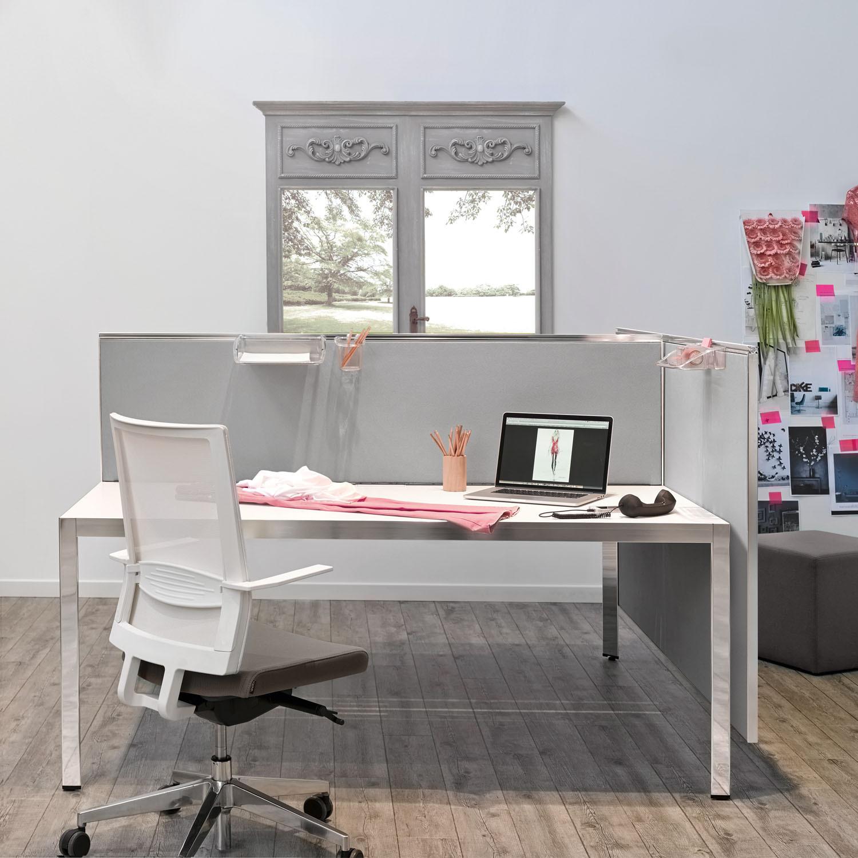 Aluscreen on Frame Plus Desking