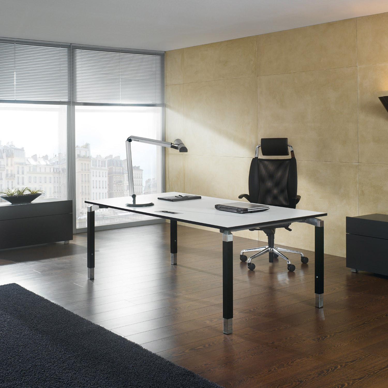 Antaro Manager's Desk