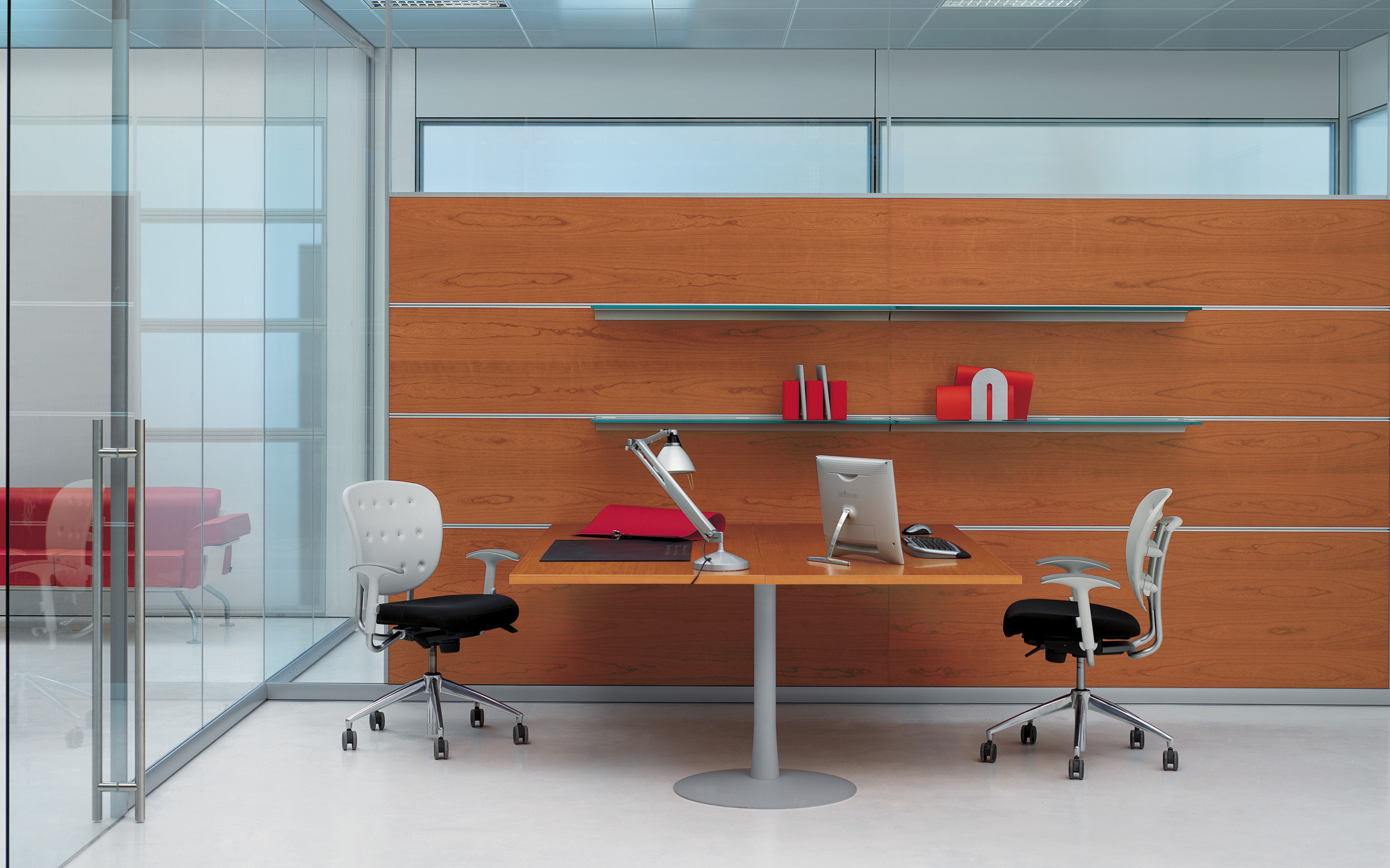 Areaplan Kristal Partitions + Glass Shelves