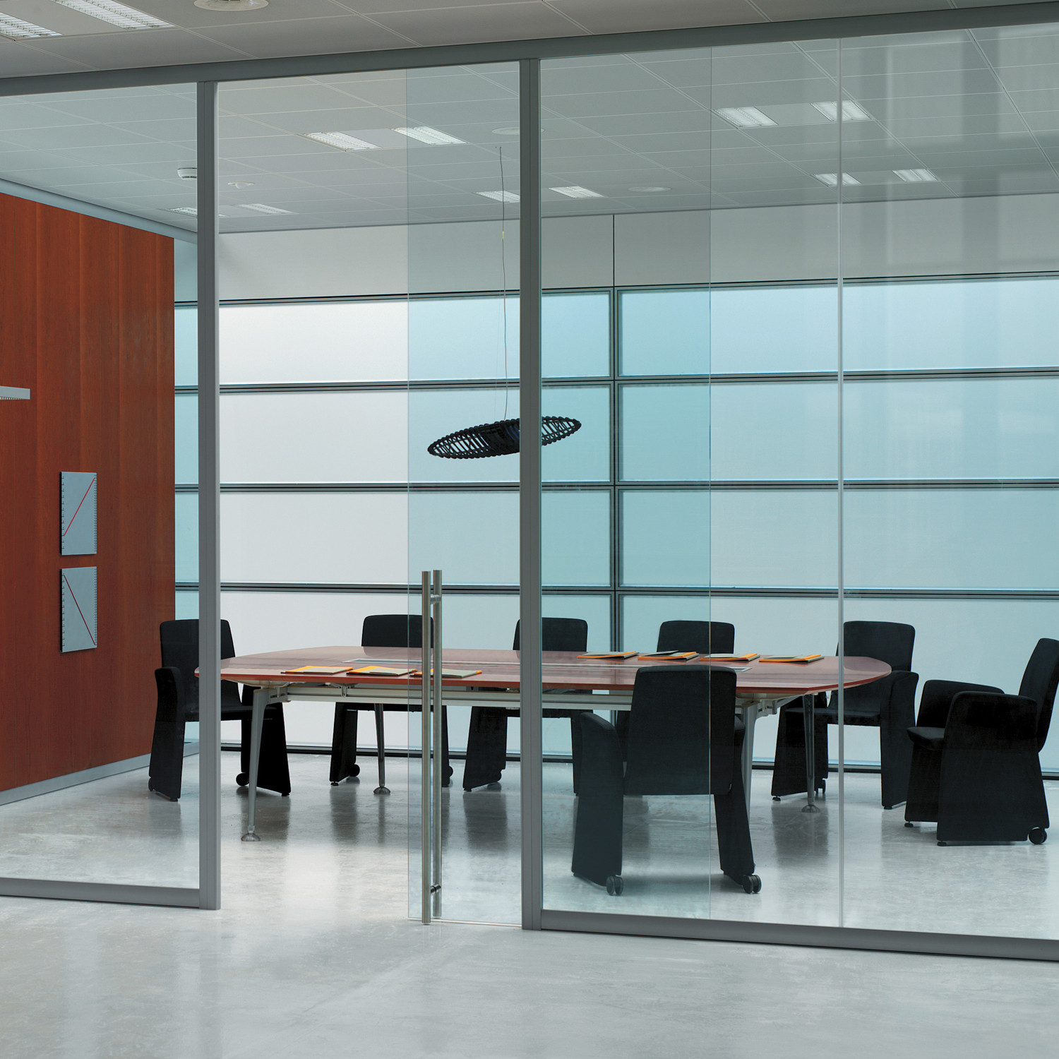 Areaplan Horizontal Panels are available in a wide variety of finishes