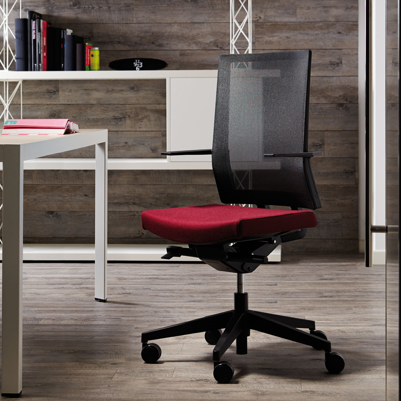 Blue Mesh Task Chair