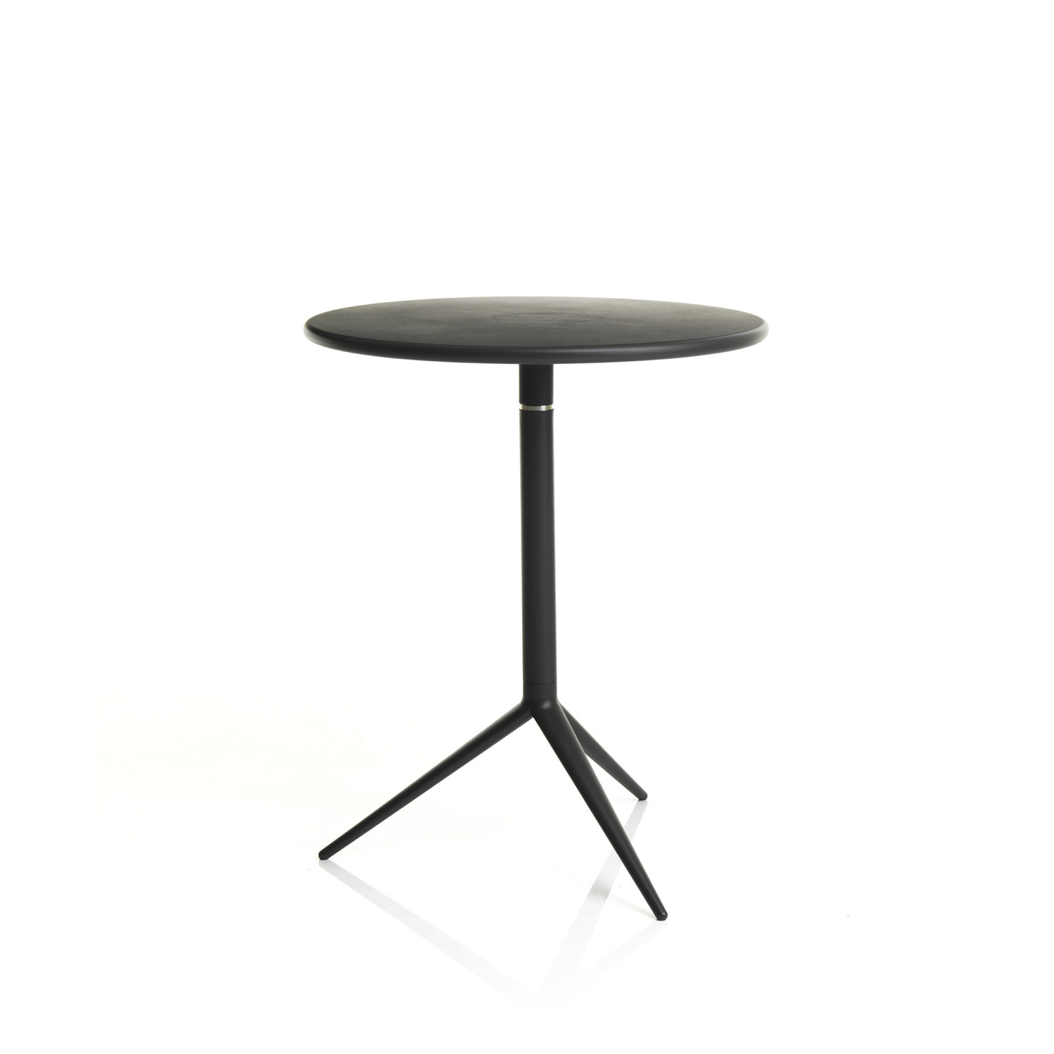 Ciak Cafe Tables by Alma Design