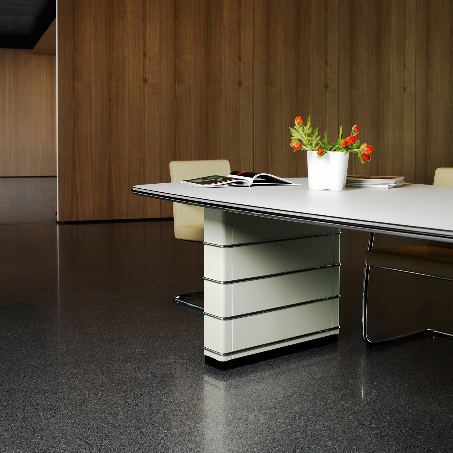 Mueller TB 121 Conference Table