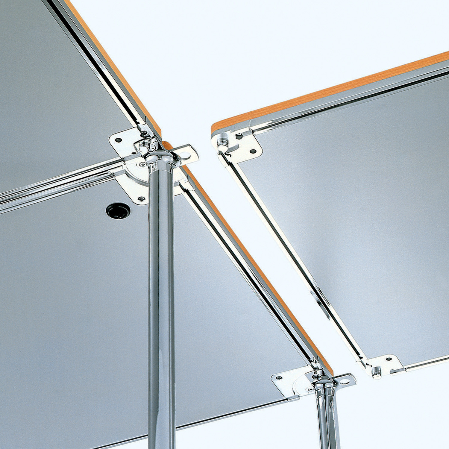 Contas Multifunctional Tables linking detail