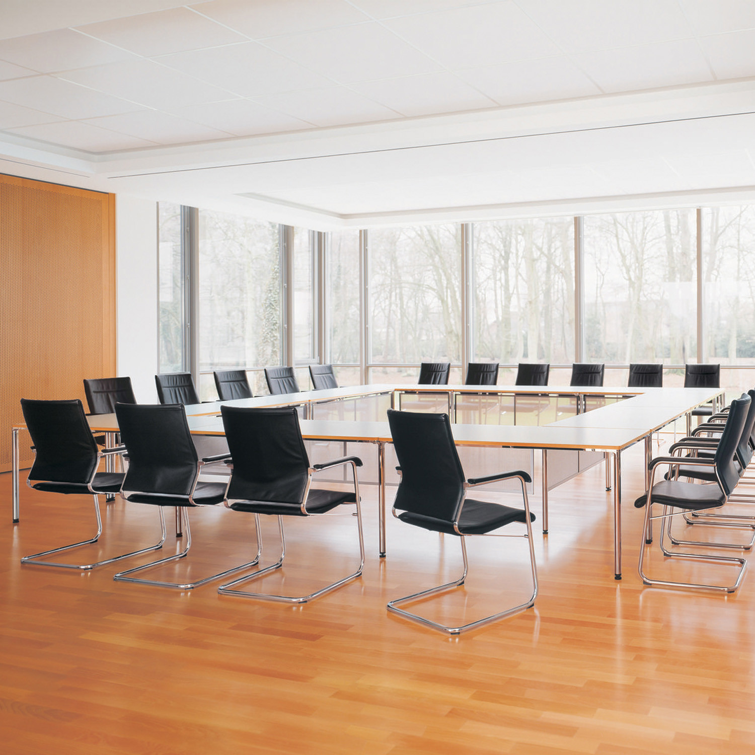 Contas Meeting Tables
