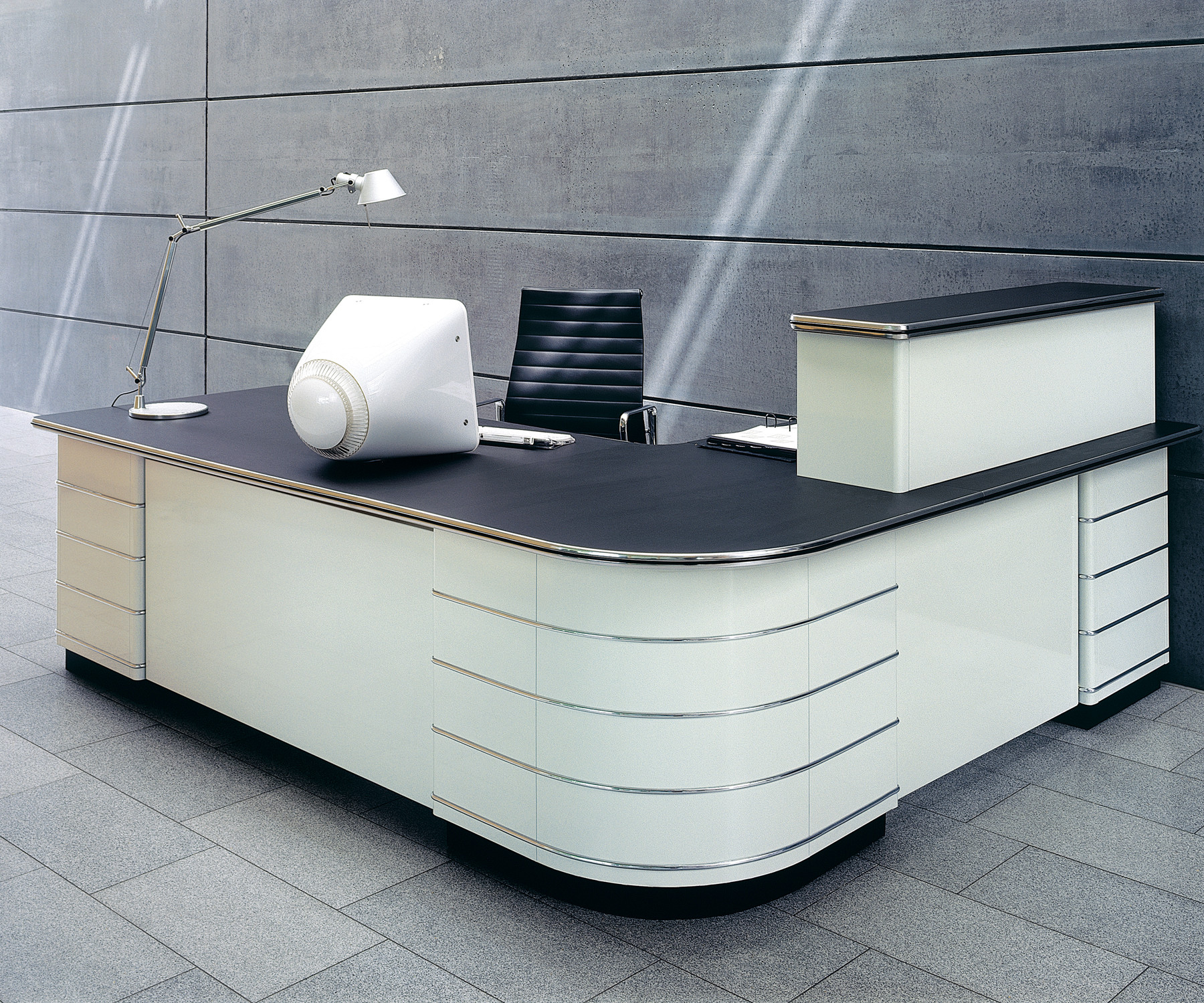 Counter Classic Line Reception Desk by Mueller