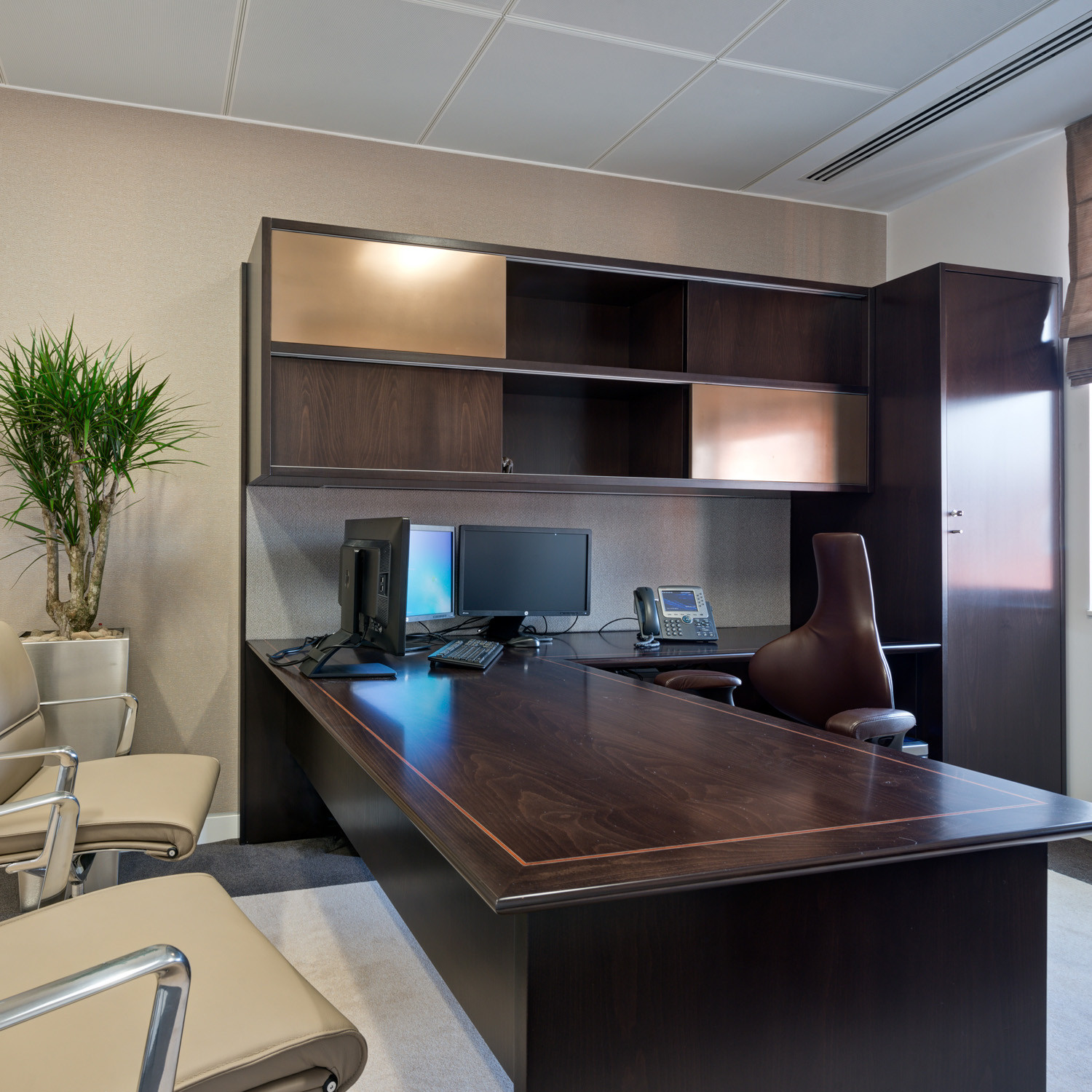 Etonnant Custom Office Desks. Specialist Custom Made Desk Office Desks Modern  Furniture By Apres