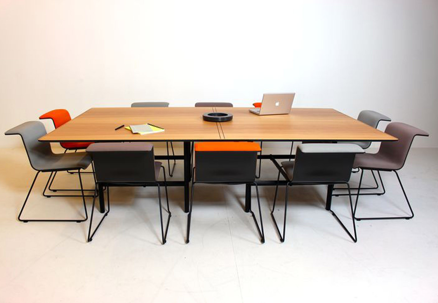 Meeting Table DAN - Ping Pong by Bulo