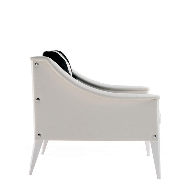 Dezza Armchair by Poltrona Frau Side