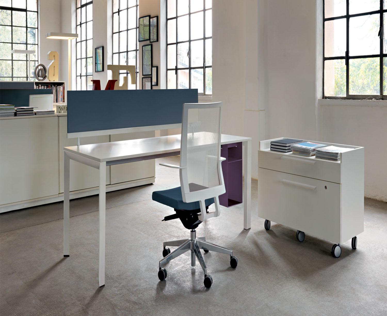 Diamond Operative Desk from Sinetica