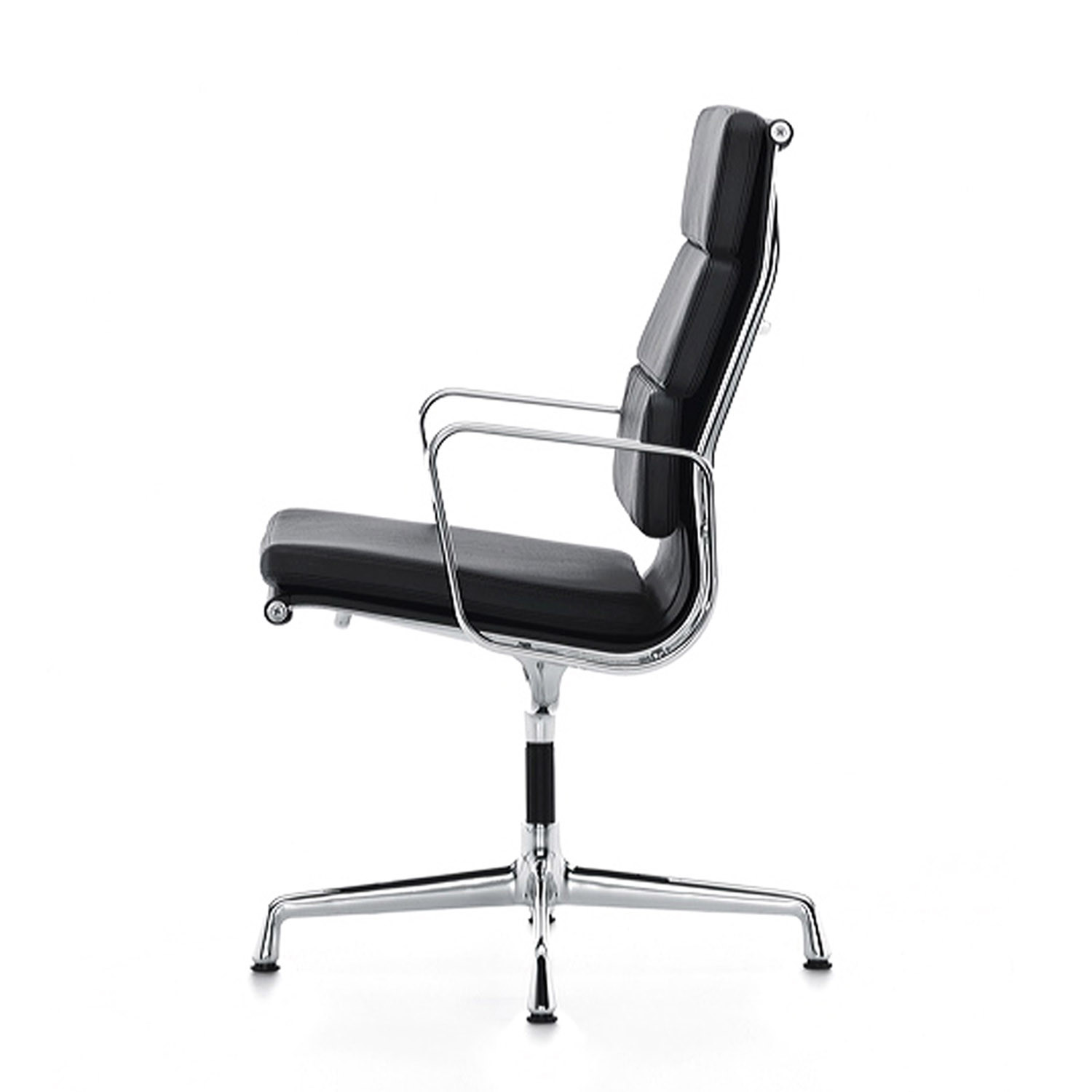 EA219 Eames Soft Pad Chair